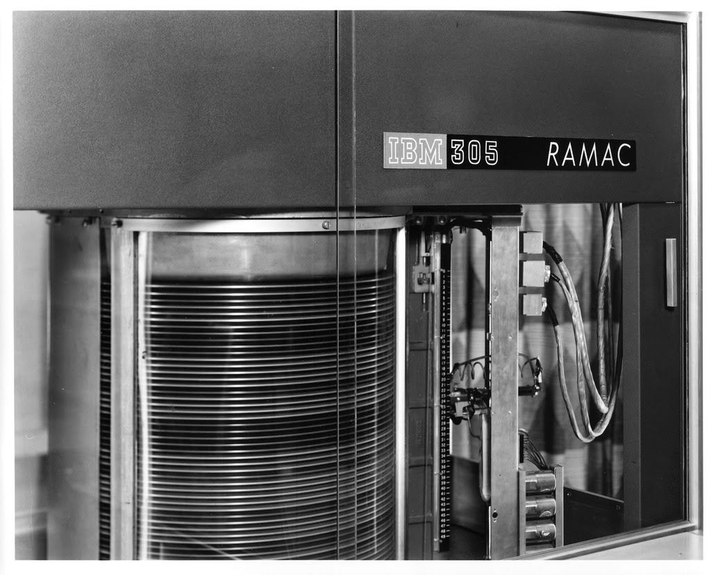 IBM 305 Z DYSKAMI IBM 350